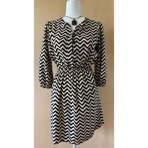 Trinity Chevron Dress ❤️